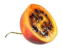 Кусок плодоовощ tamarillo или томата дерева изолированного на белизне Стоковая Фотография