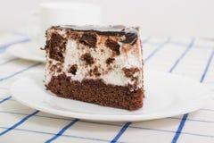 Кусок торта губки шоколада с вишней Стоковые Фото