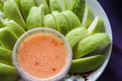 Кусок guava на блюде Стоковые Фотографии RF