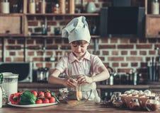 кухня девушки немногая Стоковое Изображение RF
