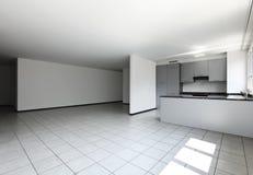 кухня квартиры пустая новая Стоковое Изображение