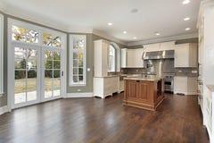 кухня конструкции домашняя новая Стоковая Фотография RF