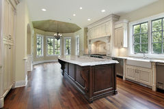 кухня конструкции домашняя новая Стоковое Фото