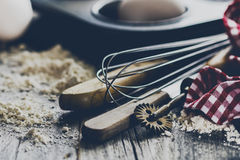 Кухня концепции выпечки варя аксессуары столового прибора для печь дальше Стоковые Изображения RF