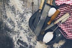 Кухня концепции выпечки варя аксессуары столового прибора для печь дальше Стоковое Изображение
