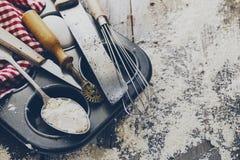 Кухня концепции выпечки варя аксессуары столового прибора для печь дальше Стоковые Изображения