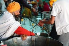 Кухня мира самая большая свободная Harmandir Sahib (золотой висок) Стоковая Фотография RF