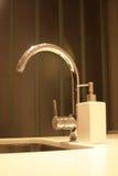 кухня faucet холеная Стоковое Фото