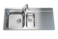 Кухонная раковина изолированная на белой предпосылке Стоковая Фотография