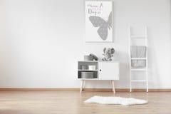 Кухонный шкаф с коробками Стоковые Фотографии RF
