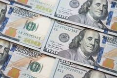 Куча 100 банкнот доллара как предпосылка денег Стоковая Фотография
