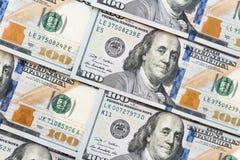 Куча 100 банкнот доллара как предпосылка денег Стоковое фото RF