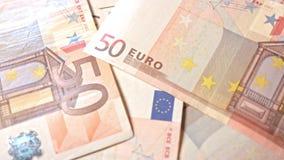 Куча 50 банкнот евро на таблице Стоковое Изображение