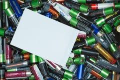 Куча батарей с ярлыком космоса экземпляра стоковая фотография