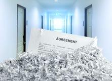 Куча бумаг shredded белизной Стоковое Изображение RF