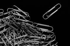 Куча бумажных зажимов Стоковое Фото