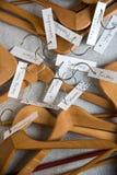 Куча вешалок с бирками дня Стоковая Фотография