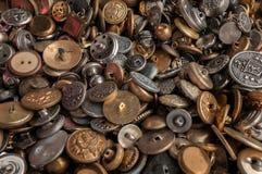 Куча винтажных кнопок металла Стоковая Фотография