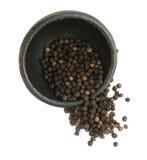 Куча горячих изолированных семян черного перца Стоковые Фотографии RF