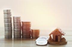 куча денег, монеток растя вверх Стоковая Фотография RF
