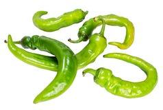 Куча зеленого горячего перца на белой предпосылке Стоковые Изображения RF