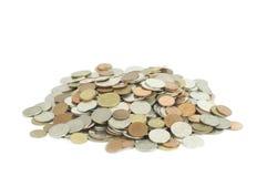 куча изолированных монеток денег Стоковая Фотография RF