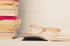 Куча книг кармана стоковые изображения