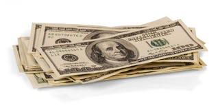 Куча 100 концов-вверх долларовых банкнот на белизне Стоковое Изображение