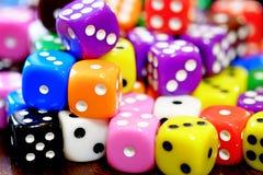 Куча кости для игры играя в азартные игры и играя случайные игры Стоковое Изображение RF