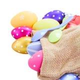 Куча красочных пасхальных яя в мешке Стоковая Фотография