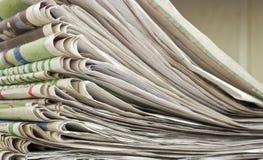 Куча крупного плана газеты Стоковые Изображения