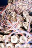 Куча новых датчиков давления с красочными проводами Стоковое Изображение