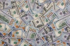 Куча новых и старых 100 долларовых банкнот Стоковая Фотография