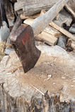 Куча оси и древесины Стоковая Фотография