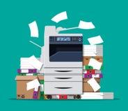 Куча печатных документов и принтера Стоковое Изображение