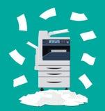 Куча печатных документов и принтера Стоковая Фотография RF