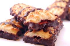Куча печений shortbread с замороженностью варенья и шоколада Стоковые Изображения