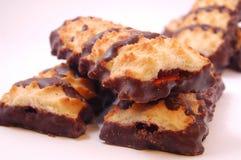 Куча печений shortbread с замороженностью варенья и шоколада Стоковые Изображения RF