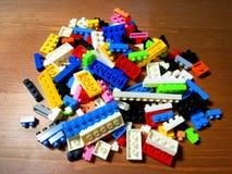 Куча пластичного блока кирпича игрушки Стоковое Изображение RF