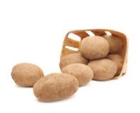 Куча разбросанных изолированных картошек Стоковое Фото