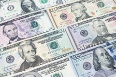 Куча различных долларовых банкнот США американских распространенных как картина ба Стоковые Фото