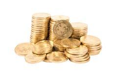 Куча русских монеток над белой предпосылкой Стоковое фото RF