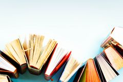 Куча старых книг стоковое фото