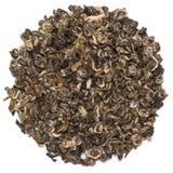 Куча сухой улитки Bilochun зеленого чая изолированной на белой предпосылке Стоковое Фото