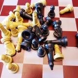Куча частей для военной игры шахмат стоковое фото rf