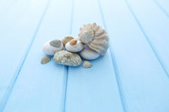 Куча чистых белых ровных камней Стоковое Изображение RF