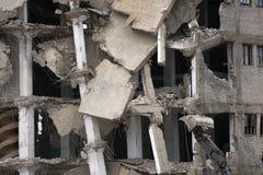 Куча щебня от разобранного здания на месте подрыванием Стоковое Изображение