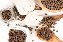 Кучи семени Allspice Стоковая Фотография RF