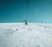 кудель лыжи в прикарпатских горах в зиме Стоковое Изображение RF