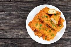Кудрявым tortilla цыпленка обвалянный в сухарях сыром крен-поднимает Стоковая Фотография